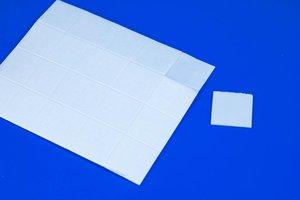 Dubbelzijdige zelfklevende foampads  - Afmeting24x24mm - Dikte 1mm - Permanent/verwijderbare tape - Wit