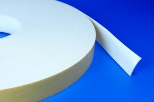 Dubbelzijdig zelfklevende foamtape op basis van acryllijm  - Breedte 18mm - Dikte 1mm - Permanente foamtape - Wit