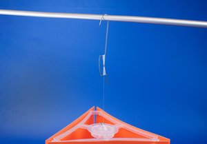 Wire hanger with a needle and metal hook  - Height 120mm - Length fil1200mm